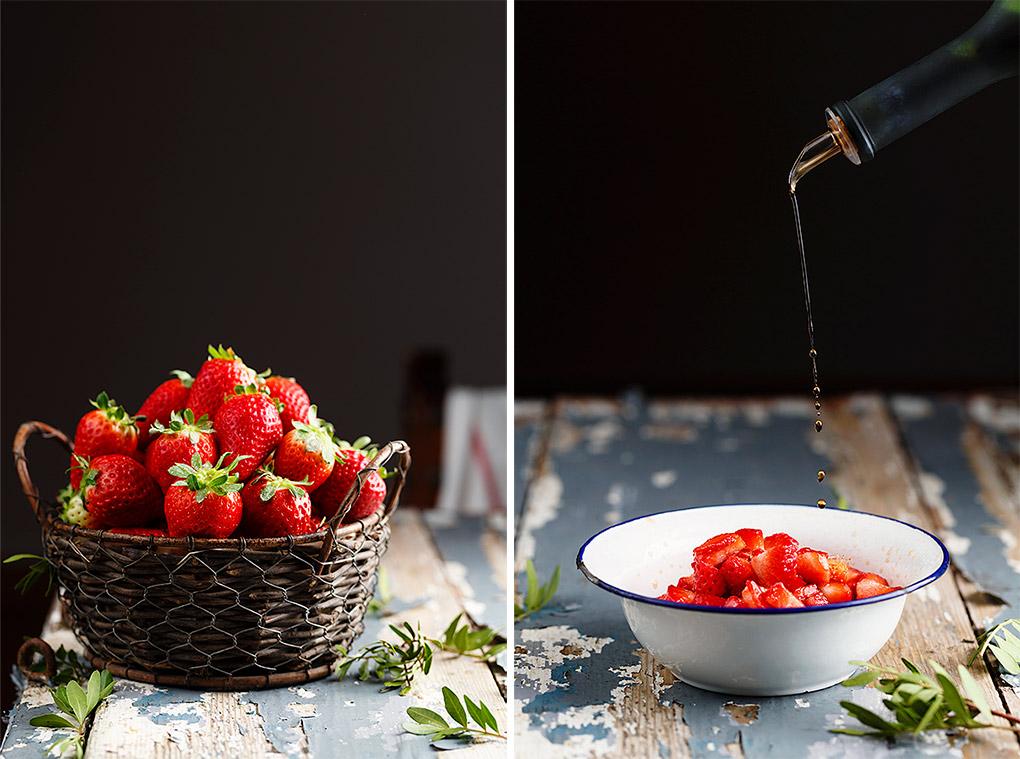 Cesto con fresas y cuenco con fresas y vinagre