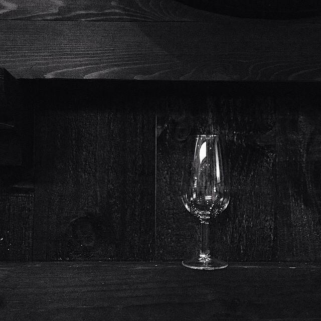 Apetece una copita de Pedro Ximenez uno de mis vinos favoritos #BNW #photo #photography #GOTD #instamood