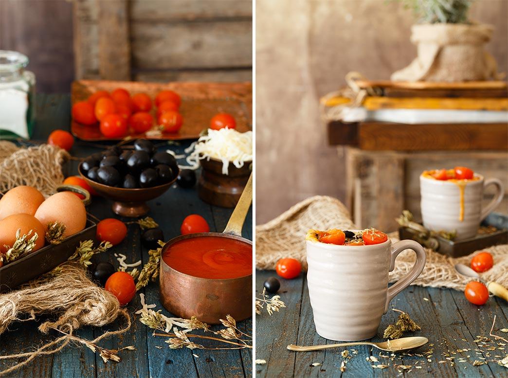 Mug cake salado de tomates y aceitunas